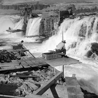 Celio Falls, 1956